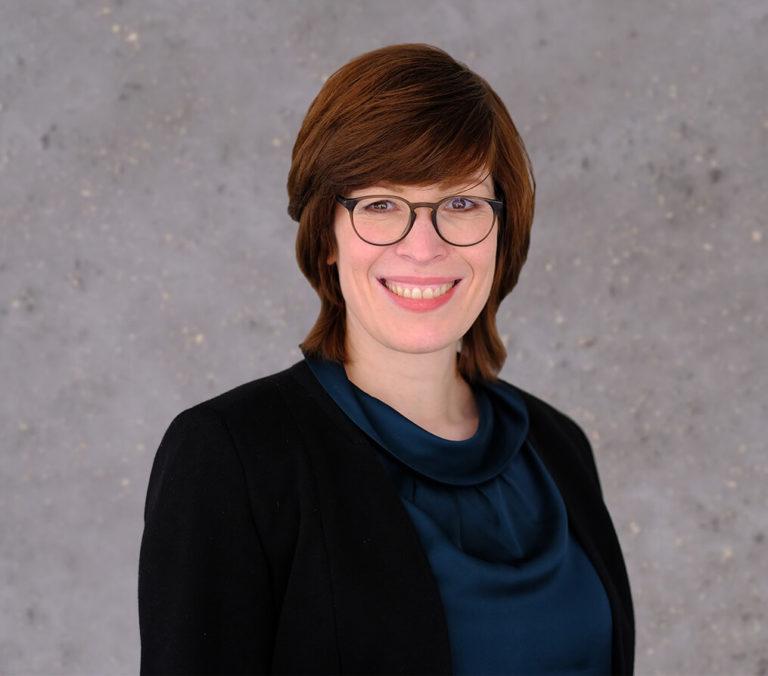 Ansprechpartnerin Nicole Beiersdorf
